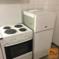 Hladilnik z zmrzovalnikom in električni štedilnik s pečico