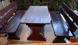 Prodam dobro ohranjeno masivno vrtno mizo z dvema klopema