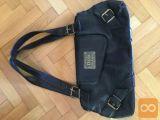 Prodam črno torbico D&G, cena: 20 €.